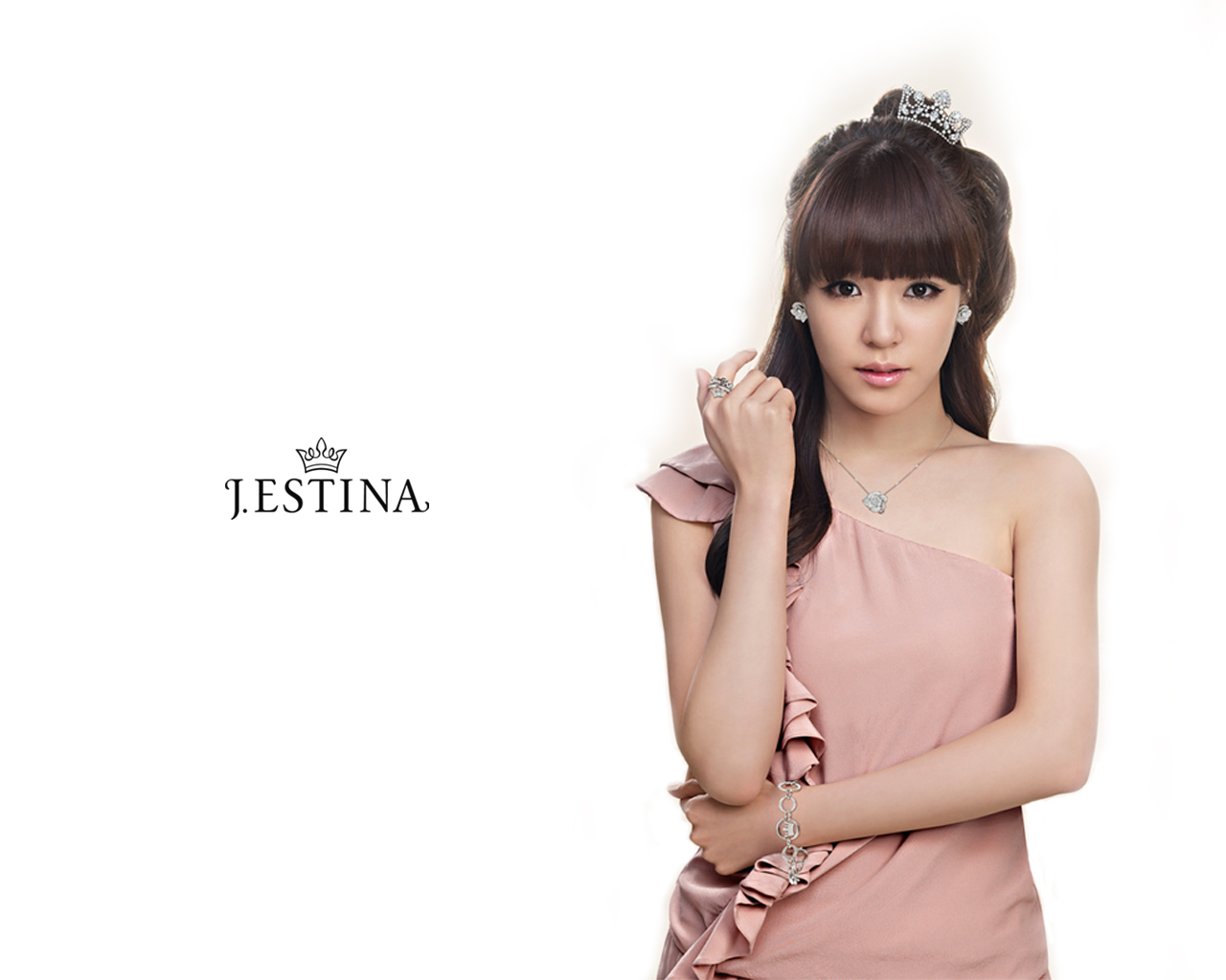 Girls generation snsd girls generation tiffany j estina