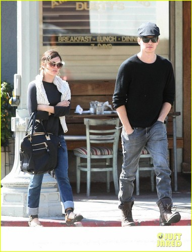 Hayden Christensen & Rachel Bilson Do Lunch in L.A.
