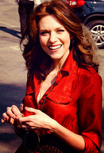 Hilarie बर्टन arriving at the 2012 Film Independent Spirit Awards