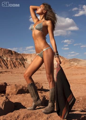 Irina Shayk  Sports Illustrated (2010)