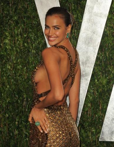 "Irina Shayk - - ""Vanity Fair Oscar Party"" - (26.02.2012)"