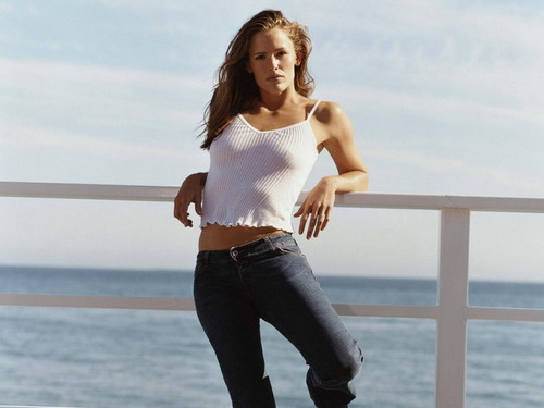 jennifer garner wallpaper possibly with tights, a pantleg, and a hip boot called Jennifer