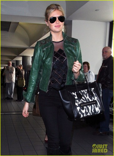 Kate Upton: Heading to Mexico City!