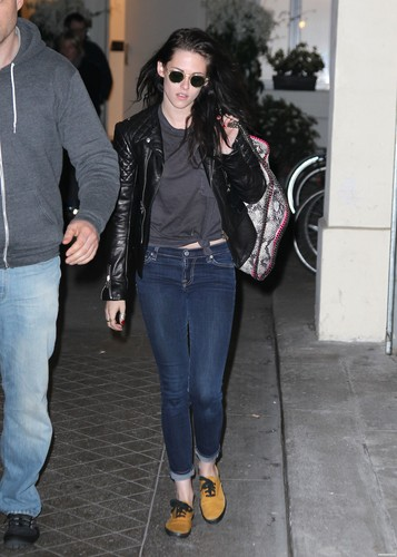 Kristen Stewart leaving her Hotel & visiting the Stella McCartney's Show Room - March 2, 2012.