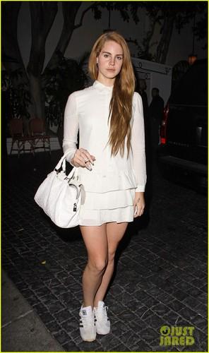 Lana Del Rey Inspires Dsquared2 통로, 활주로 Show Look