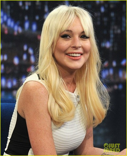 Lindsay Lohan: Pictionary with Jimmy Fallon! - lindsay-lohan Photo