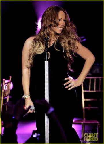 Mariah Carey - First Performance Since Giving Birth!
