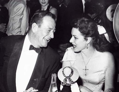 phim cổ điển hình nền called Maureen O'hara & John Wayne