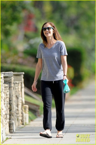Minka Kelly: Saturday Dog Walk!