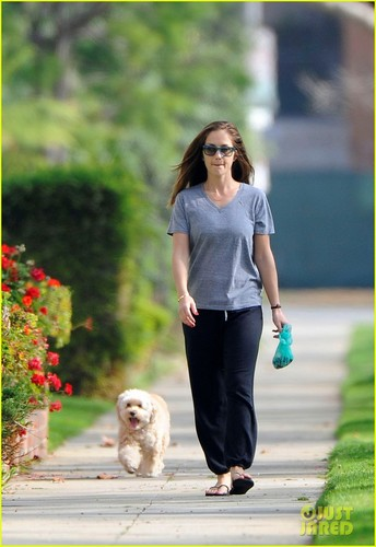 Minka Kelly: Saturday Dog Walk!