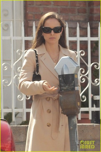 Natalie Portman: Wedding Ring Details!