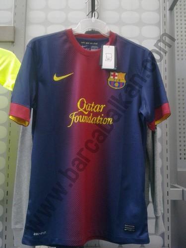 suivant season's accueil chemise 2012/13
