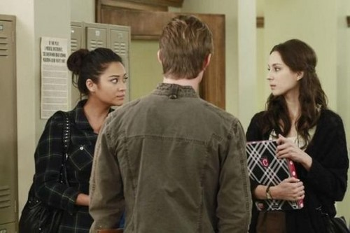 Pretty Little Liars - Episode 2.23 - Eye of the Beholder - مزید Promotional تصاویر