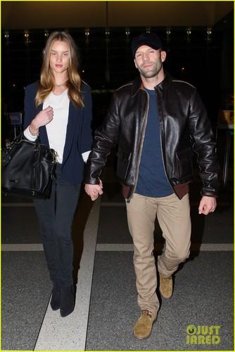 Rosie Huntington-Whiteley & Jason Statham: LAX Lovebirds!