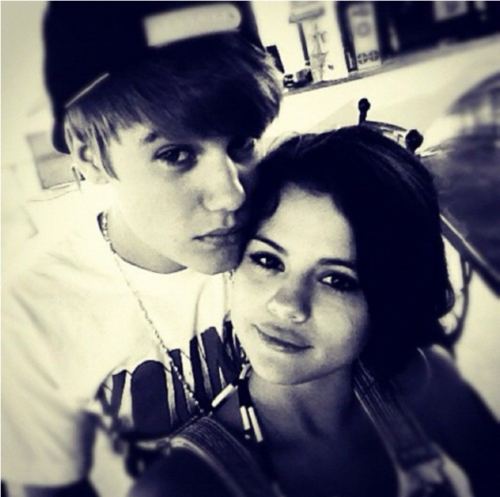 Selena Gomez Happy Birthday Justin Bieber!