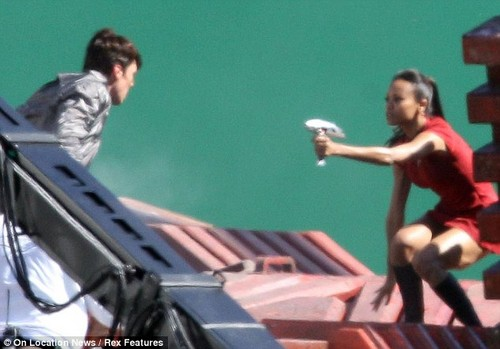 Star Trek sequel - Shooting - zoe-saldana-as-uhura Photo