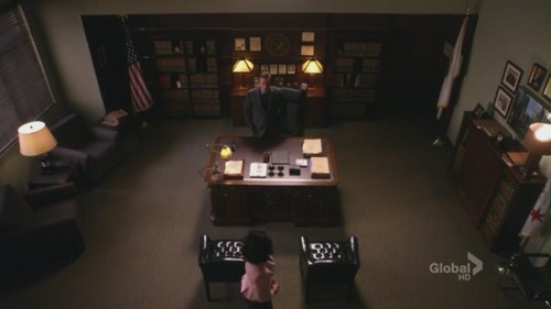 The Good Wife wallpaper containing a family room, a living room, and a reading room entitled The Good Wife 3x14 'Another Ham Sandwich' Screencaps