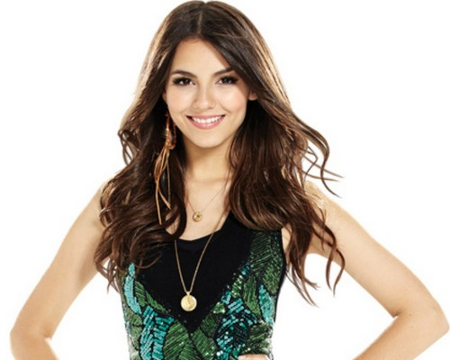 Victoria Justice wallpaper containing a portrait entitled Victoria Justice <333
