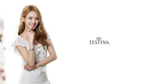 hyoyeon@ J.ESTINA