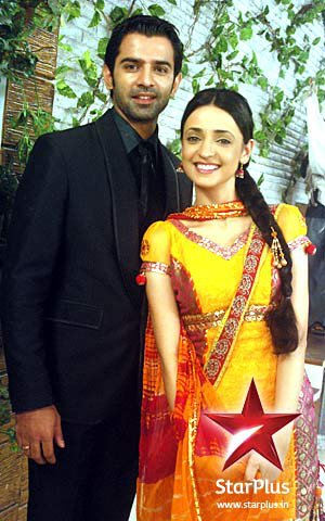 khushi and arnav - sanaya-irani Photo