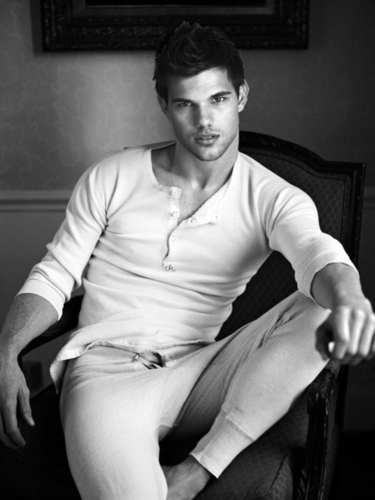 Taylor Lautner wallpaper probably with a hip boot entitled taylor