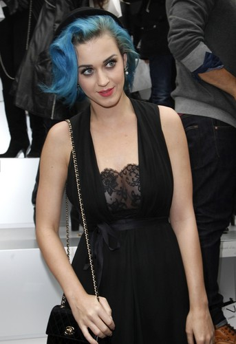 """Chanel"" Fashion Show in Paris [6 March 2012]"