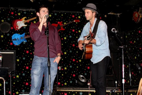 Keith Harkin wallpaper containing a concert and a guitarist called  Keith Harkin & Emmet CaHill-2012