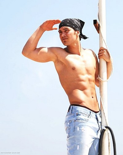 Turkish Actors and Actresses wallpaper possibly with a hunk called Cagatay Ulusoy shirtless