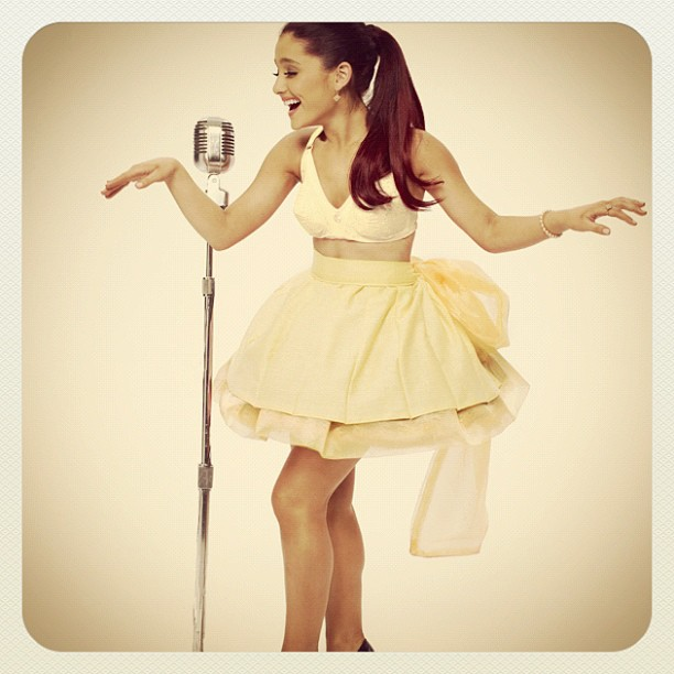 stiflers mom jennifer beals daughter alexandra stan big ... Ariana Grande Put Your Hearts Up Hair