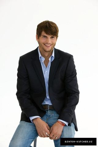 Ashton Kutcher cute