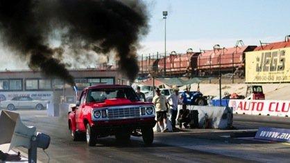 jeu de film Born-to-Race-cars-born-to-race-29537423-418-236