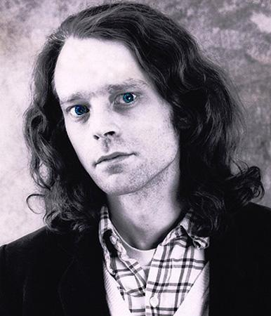 Brad Dourif Black & White picha w/ Blue Eyes