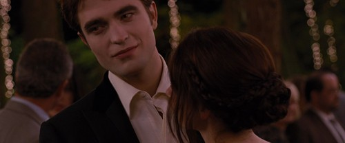 爱德华·卡伦 壁纸 possibly with a business suit entitled Breaking Dawn Part 1 [Movie Screencaps]