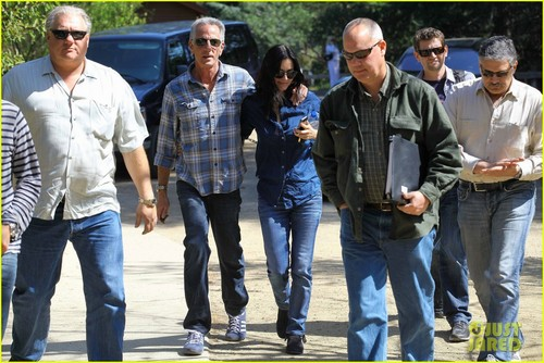 Courteney Cox: 'Cougar Town' Location Scouting!