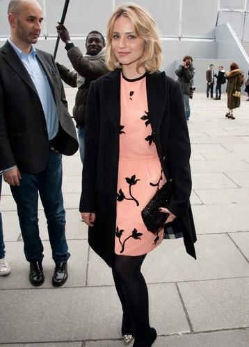 Dianna Agron : Louis Vuitton at Paris Fashion Week
