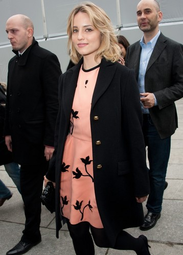 Dianna Agron : Louis Vuitton at Paris Fashion Week