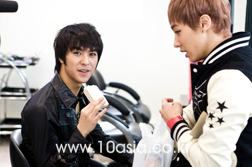 Dongwoon and Kikwang
