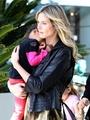 Heidi Klum Wearing An Interesting Jumpsuit With Daughter Lou