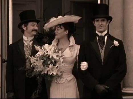 Helen Mccrory in Sherlock Holmes and the case of the silk media, media de la