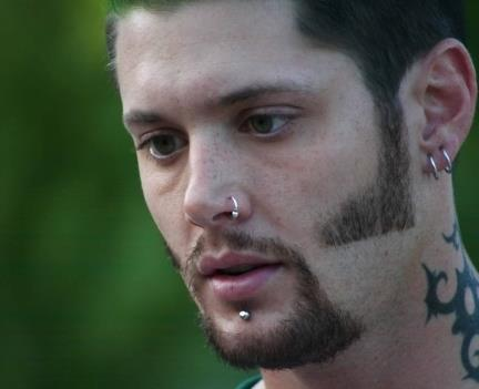 Jensen Ackles Hintergrund with a portrait titled Jensen <3
