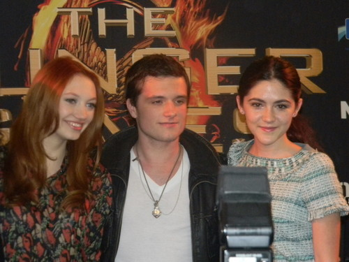 Josh, Jacqueline and Isabelle at The Hunger Games Mall Tour Chicago