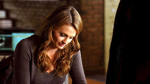Kate Beckett karatasi la kupamba ukuta probably with a portrait titled Kate <33