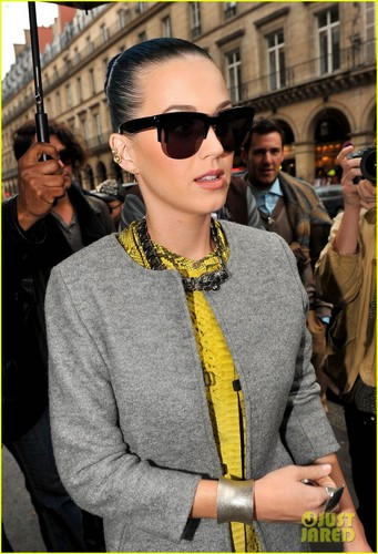 Katy in Paris 04/03/12