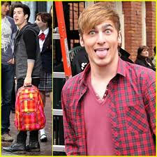 Kendall being silly! l'amour it