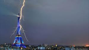 Paris wallpaper with a fountain called Lightning Strikes a Beauty