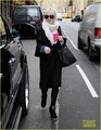 Lindsay Lohan Shops After 'SNL' - lindsay-lohan photo