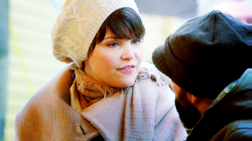 Snow White/Mary Margaret Blanchard wallpaper containing a bonnet called Mary Margaret