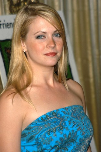 Melissa Joan Hart karatasi la kupamba ukuta probably with a cocktail dress and a portrait titled Melissa Joan Hart