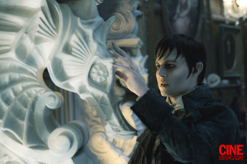 New Dark Shadows Pic!!!