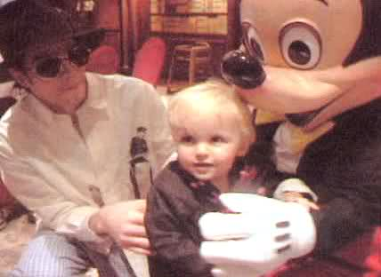 Prince Jackson and his daddy Michael Jackson<3